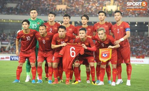 [Vòng loại World Cup 2022] Việt Nam 1-0 Malaysia (H2): Quang Hải lập siêu phẩm ngả người volley - Ảnh 21.