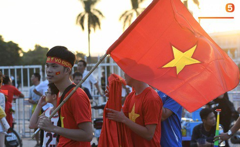 [Vòng loại World Cup 2022] Việt Nam 1-0 Malaysia (H2): Quang Hải lập siêu phẩm ngả người volley - Ảnh 24.