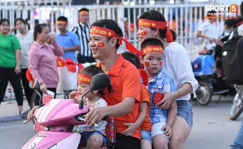 [Vòng loại World Cup 2022] Việt Nam 1-0 Malaysia (H2): Quang Hải lập siêu phẩm ngả người volley - Ảnh 25.