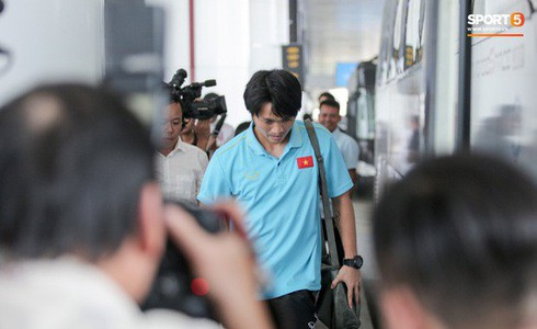 [Vòng loại World Cup 2022] Việt Nam 1-0 Malaysia (H2): Quang Hải lập siêu phẩm ngả người volley - Ảnh 32.
