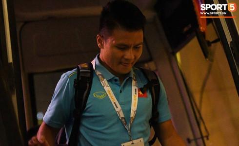 [Vòng loại World Cup 2022] Việt Nam 1-0 Malaysia (H2): Quang Hải lập siêu phẩm ngả người volley - Ảnh 36.