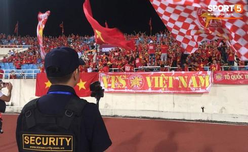 [Vòng loại World Cup 2022] Việt Nam 1-0 Malaysia (H2): Quang Hải lập siêu phẩm ngả người volley - Ảnh 43.