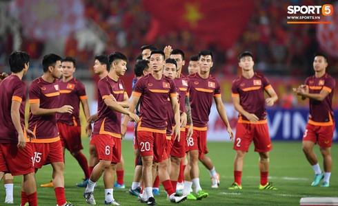 [Vòng loại World Cup 2022] Việt Nam 1-0 Malaysia (H2): Quang Hải lập siêu phẩm ngả người volley - Ảnh 46.