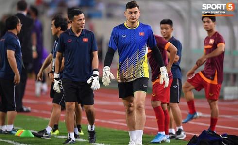 [Vòng loại World Cup 2022] Việt Nam 1-0 Malaysia (H2): Quang Hải lập siêu phẩm ngả người volley - Ảnh 50.