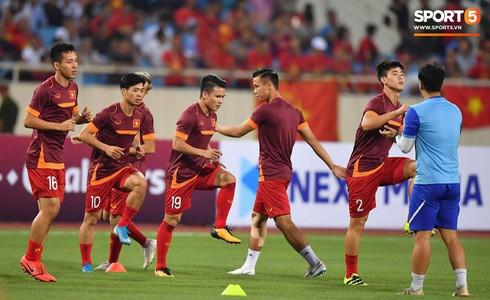 [Vòng loại World Cup 2022] Việt Nam 1-0 Malaysia (H2): Quang Hải lập siêu phẩm ngả người volley - Ảnh 53.