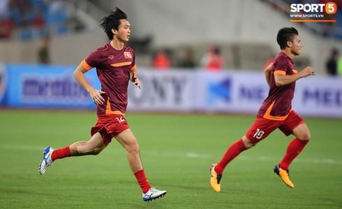 [Vòng loại World Cup 2022] Việt Nam 1-0 Malaysia (H2): Quang Hải lập siêu phẩm ngả người volley - Ảnh 56.