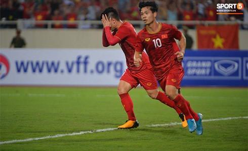 [Vòng loại World Cup 2022] Việt Nam 1-0 Malaysia (H2): Quang Hải lập siêu phẩm ngả người volley - Ảnh 12.