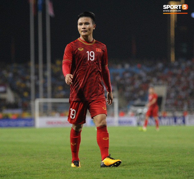Không chỉ ghi bàn giúp Việt Nam thắng Malaysia, Quang Hải còn khiến đội bạn nể phục bởi hành động rất đẹp này - Ảnh 9.