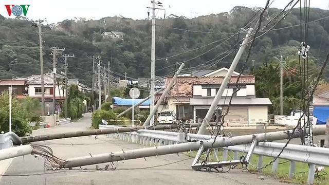 Nhật Bản sau bão Hagibis: Đường biến thành sông, nhà cửa đổ sập - Ảnh 1.