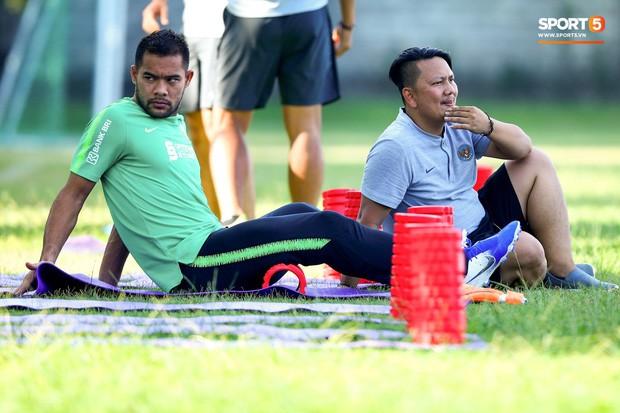 Cầu thủ của Indonesia mệt mỏi trước trận gặp Việt Nam: Chúng tôi có cố gắng hơn 100% cũng không đủ, thật tệ hại - Ảnh 1.