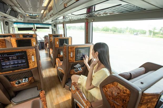 GrabBus chính thức được triển khai thử nghiệm ở Sài Gòn, bắt đầu cạnh tranh trực tiếp với xe buýt truyền thống - Ảnh 1.
