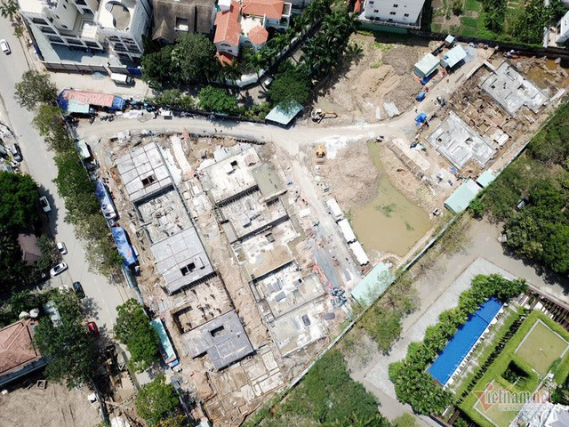 Bất chấp kẹt xe, ngập nước, khu nhà giàu Thảo Điền vẫn ken đặc dự án BĐS - Ảnh 10.