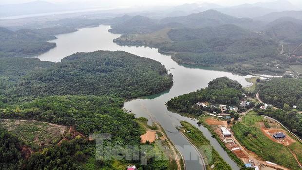 Toàn cảnh nhà máy nước sông Đà, nơi nguồn nước sạch cho Thủ đô đang bị đe dọa - Ảnh 2.