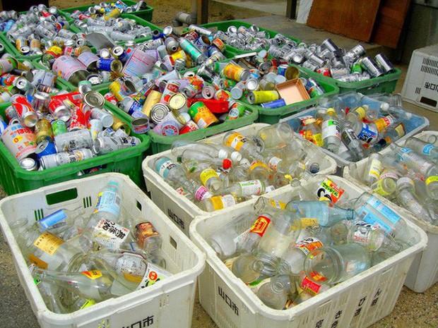 Sửng sốt vì lũ lụt nhưng không có một cọng rác, ít ai biết rằng Nhật Bản là một trong những nơi có lượng rác thải nhựa lớn nhất thế giới - Ảnh 2.