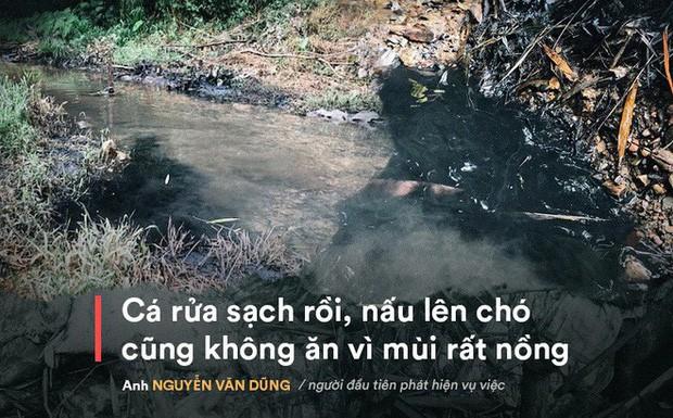 Nhân chứng kể việc phát hiện dầu thải đổ trộm xuống suối đầu nguồn nhà máy nước sông Đà  - Ảnh 1.