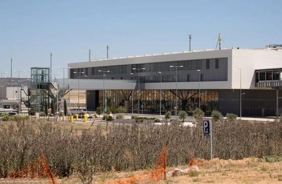8 sân bay tỷ USD bị bỏ hoang - Ảnh 1.