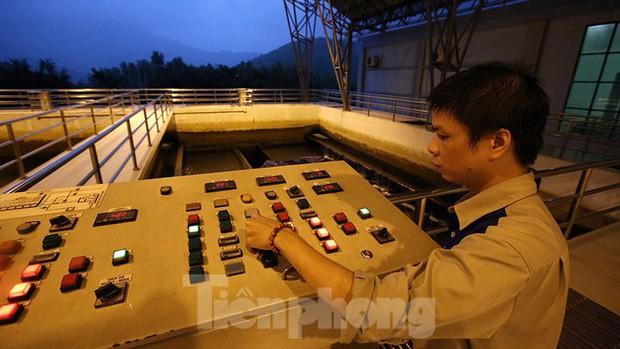 Toàn cảnh nhà máy nước sông Đà, nơi nguồn nước sạch cho Thủ đô đang bị đe dọa - Ảnh 14.