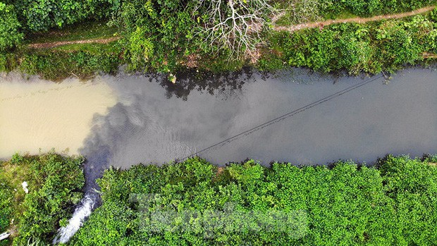 Toàn cảnh nhà máy nước sông Đà, nơi nguồn nước sạch cho Thủ đô đang bị đe dọa - Ảnh 3.