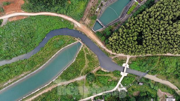 Toàn cảnh nhà máy nước sông Đà, nơi nguồn nước sạch cho Thủ đô đang bị đe dọa - Ảnh 4.