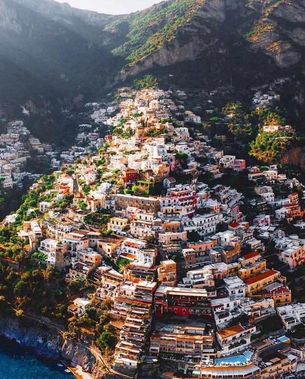 Một format hai số phận: cùng xây dựng trên núi như Mã Pì Lèng, Sa Pa, Tam Đảo nhưng nơi này của Ý lại là điểm check-in hàng đầu thế giới - Ảnh 6.