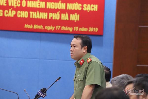Triệu tập 2 người liên quan đến vụ đổ dầu gây ô nhiễm nước sông Đà - Ảnh 2.