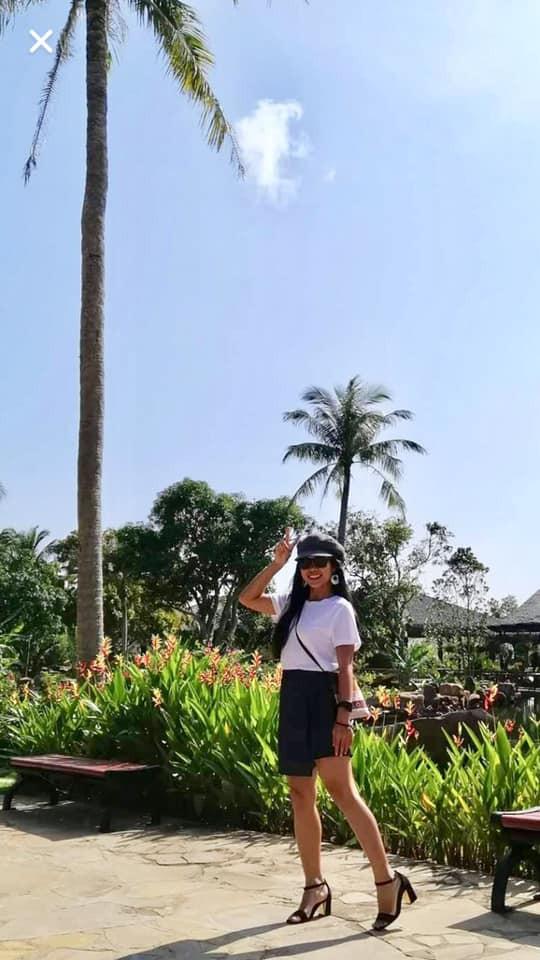 Bí quyết sống tối giản của cô gái Sài Gòn: Quần áo luôn dưới 10 bộ, chỉ có 3 đôi giày, không dùng sữa rửa mặt, kem chống nắng và tối giản cả người yêu! - Ảnh 1.