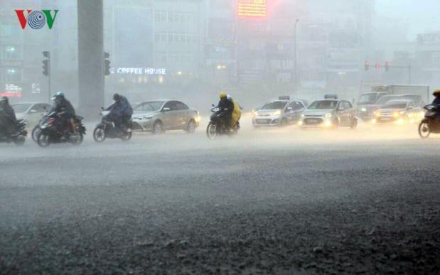 Miền Bắc chuẩn bị đón mưa dông kết thúc những ngày không khí ô nhiễm - Ảnh 1.