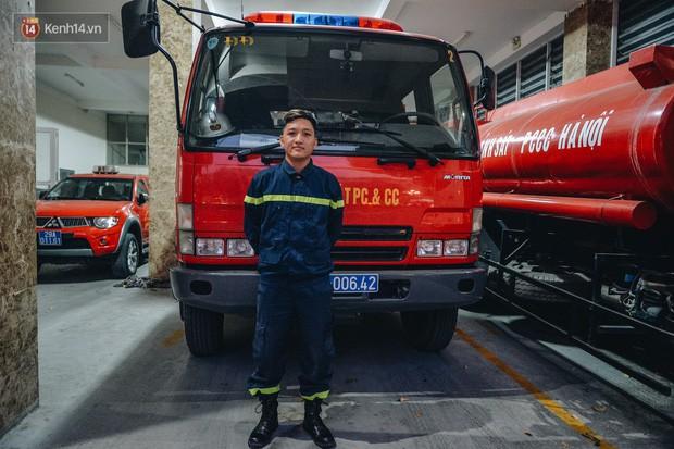 Chiến sĩ PCCC lao vào đám cháy cứu nam thanh niên 17 tuổi: Tôi không phải người hùng, vì mình tôi không thể cứu sống em ấy - Ảnh 5.