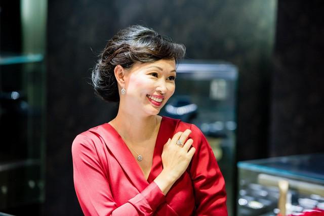 """Cuộc sống sau thương trường của 2 nữ Shark Tank Việt: Hoa hồng có gai nhọn vẫn là hoa, phụ nữ """"thép"""" vẫn là vợ hiền mẹ đảm - Ảnh 1."""