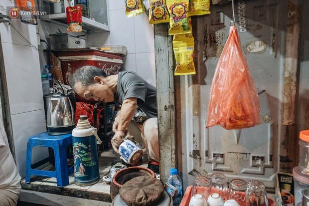 Chuyện chú lùn 65 tuổi ở phố cổ Hà Nội: Nói tiếng Anh lưu loát, chinh phục đỉnh Fansipan và 2 lần đặt chân lên nước Mỹ - Ảnh 2.