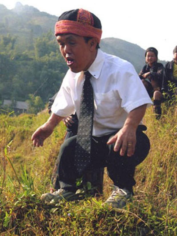 Chuyện chú lùn 65 tuổi ở phố cổ Hà Nội: Nói tiếng Anh lưu loát, chinh phục đỉnh Fansipan và 2 lần đặt chân lên nước Mỹ - Ảnh 4.