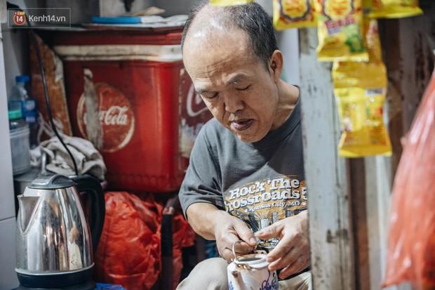 Chuyện chú lùn 65 tuổi ở phố cổ Hà Nội: Nói tiếng Anh lưu loát, chinh phục đỉnh Fansipan và 2 lần đặt chân lên nước Mỹ - Ảnh 6.