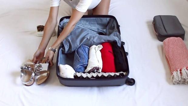 Bỏ túi ngay các mẹo giúp bạn sống sót trên chuyến bay dài, mẹo cuối cùng đảm bảo thành công trong mọi trường hợp - Ảnh 10.