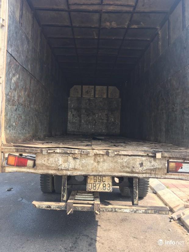 Vụ đổ dầu thải tại Nhà máy nước sông Đà: Hé lộ một chiếc ôtô con dẫn đường cho xe tải - Ảnh 8.