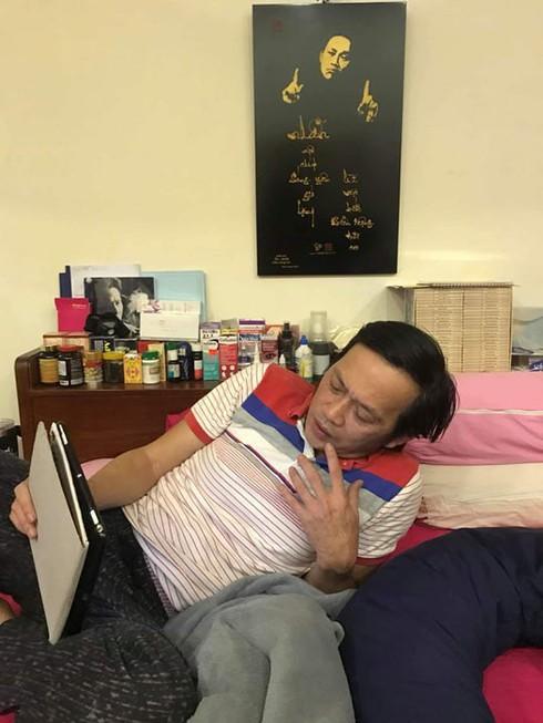 Đột nhập phòng ngủ sao Việt: Đàm Vĩnh Hưng xa hoa lộng lẫy còn Hoài Linh khác biệt - Ảnh 9.