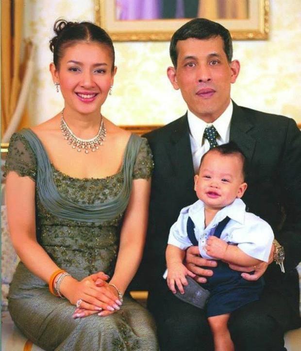 Không chỉ Hoàng quý phi, vợ cũ của vua Thái Lan trước đây cũng từng bị phế truất và kết cục vô cùng đau xót - Ảnh 2.