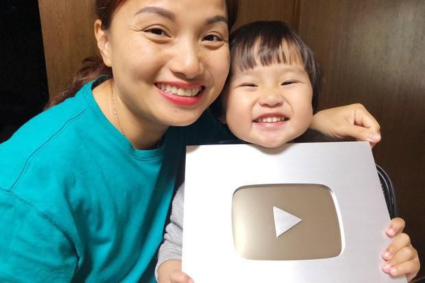 Đẳng cấp của Quỳnh Trần JP - Youtuber ẩm thực đang hot nhất MXH: 5 ngày ra 5 video mukbang, thu về gần 6 triệu views nhanh ngỡ ngàng - Ảnh 2.