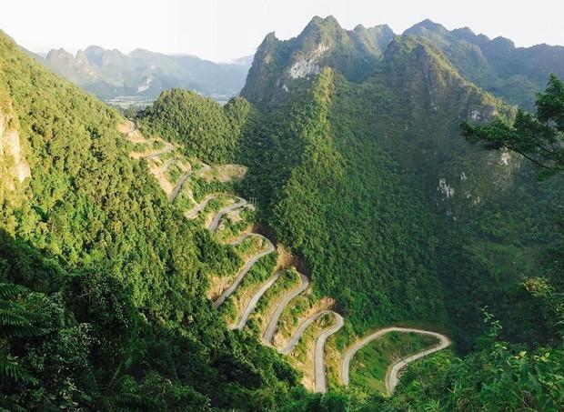 Đã tìm ra con đèo đáng sợ nhất Việt Nam: Uốn lượn 14 tầng cao vút, đến hội phượt thủ lâu năm cũng phải dè chừng - Ảnh 2.