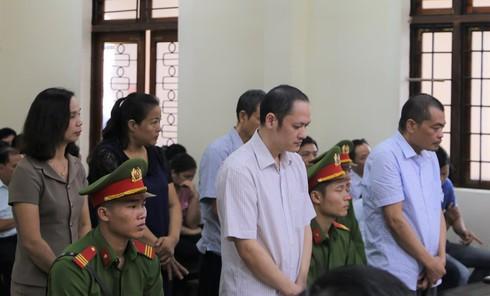 Tuyên án vụ sửa điểm thi ở Hà Giang: Bị cáo Triệu Thị Chính 2 năm tù - Ảnh 3.