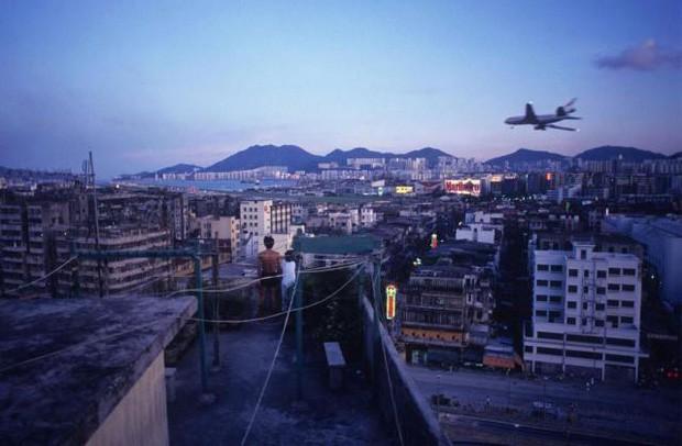 Cửu Long Thành Trại ở Hong Kong: Nơi đầy rẫy tội phạm, tệ nạn nhưng lại là mái ấm tình thương cho người già và trẻ em - Ảnh 17.