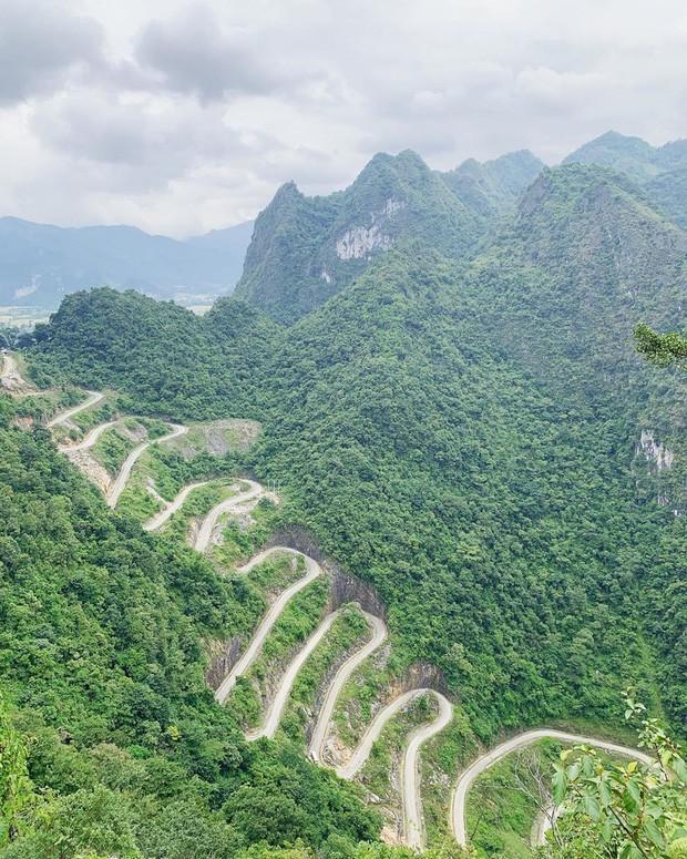 Đã tìm ra con đèo đáng sợ nhất Việt Nam: Uốn lượn 14 tầng cao vút, đến hội phượt thủ lâu năm cũng phải dè chừng - Ảnh 4.