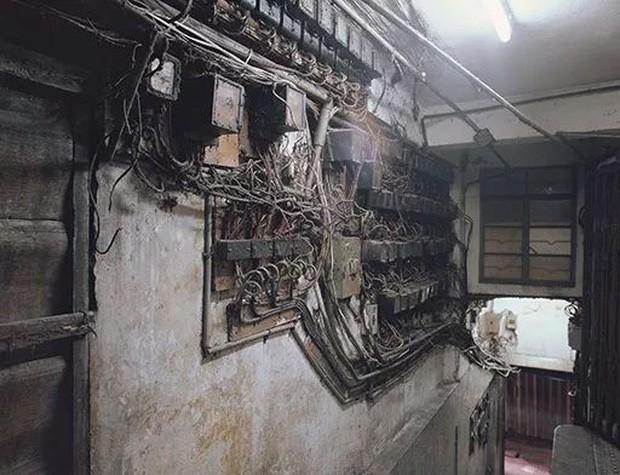 Cửu Long Thành Trại ở Hong Kong: Nơi đầy rẫy tội phạm, tệ nạn nhưng lại là mái ấm tình thương cho người già và trẻ em - Ảnh 7.