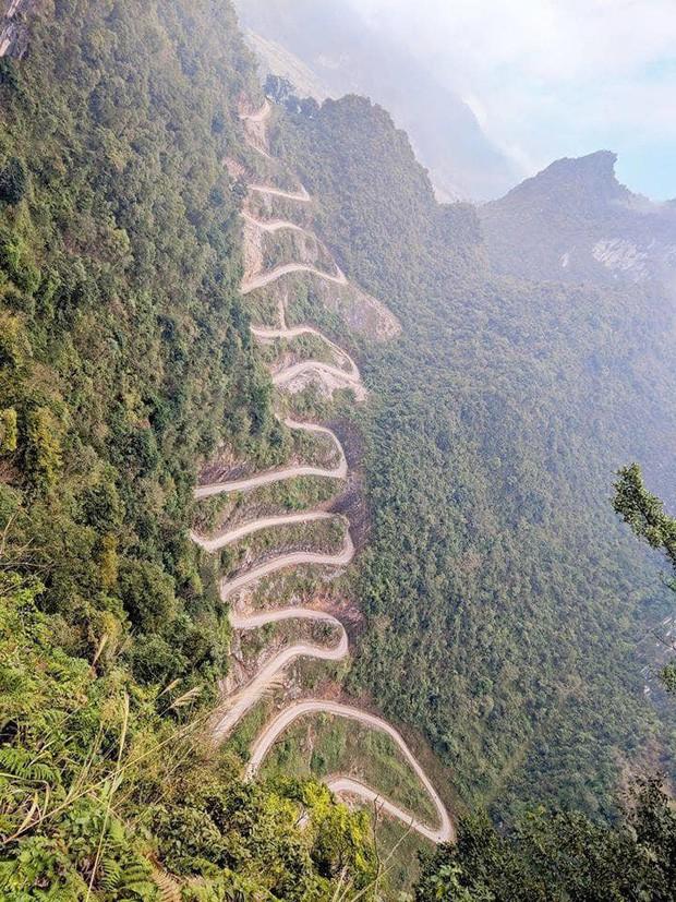 Đã tìm ra con đèo đáng sợ nhất Việt Nam: Uốn lượn 14 tầng cao vút, đến hội phượt thủ lâu năm cũng phải dè chừng - Ảnh 7.