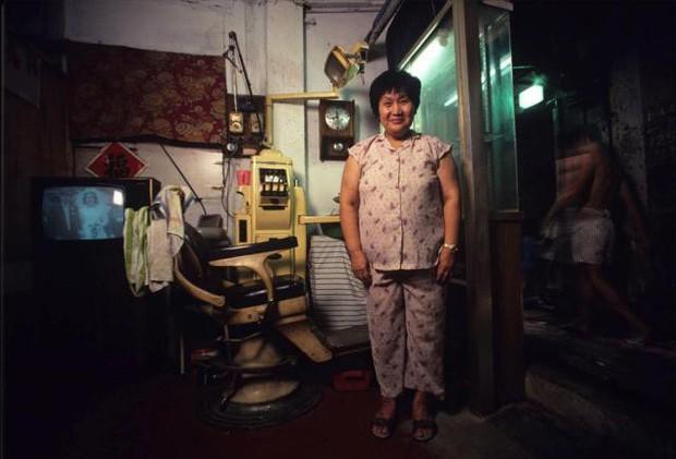Cửu Long Thành Trại ở Hong Kong: Nơi đầy rẫy tội phạm, tệ nạn nhưng lại là mái ấm tình thương cho người già và trẻ em - Ảnh 10.