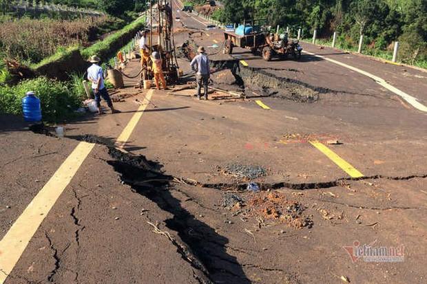 Đường tránh 250 tỷ đồng sụt lún, nứt toác như động đất ở Gia Lai - Ảnh 9.