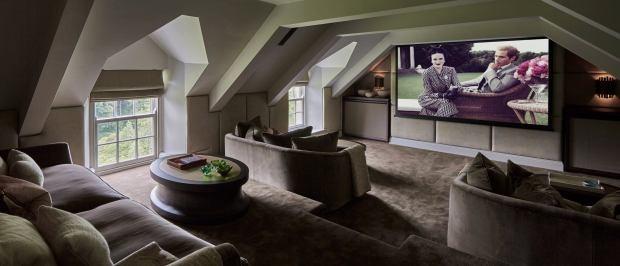 sol campbell - photo 2 15722348997741665094260 - Cuộc sống xa hoa của huyền thoại Arsenal khi thành trùm bất động sản