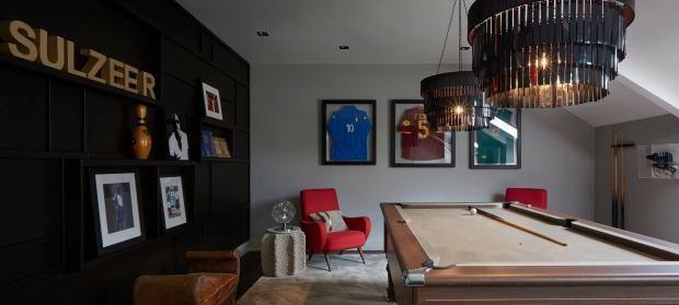 sol campbell - photo 5 15722348997831557554166 - Cuộc sống xa hoa của huyền thoại Arsenal khi thành trùm bất động sản