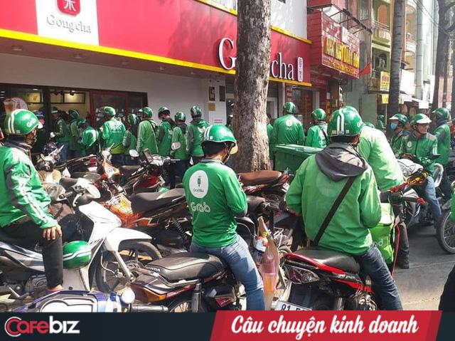 Làn sóng nhảy việc tại các ứng dụng gọi xe chưa dừng lại: Khai quốc công thần Nguyễn Tuấn Anh bất ngờ rời Grab Việt Nam - Ảnh 1.