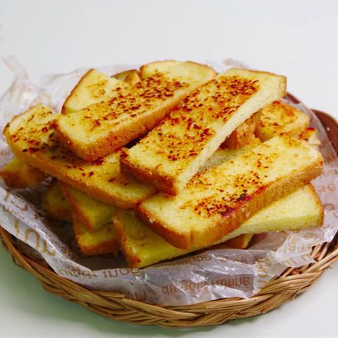 Việc nhẹ lương cao: Nếm thử bánh mì xem có ngon không, thu nhập hơn 5 triệu đồng mỗi ngày - Ảnh 2.