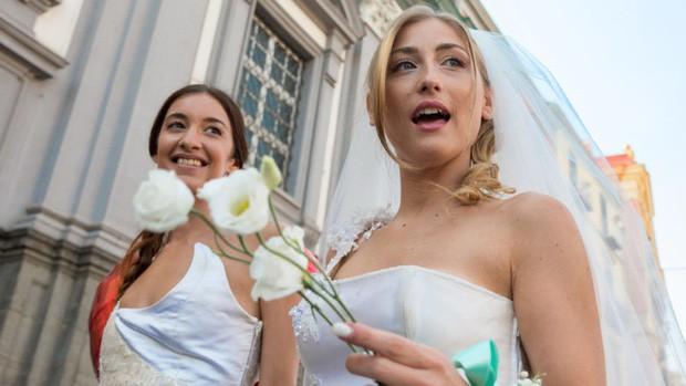 Kể từ ngày nước Mỹ hợp pháp hôn nhân đồng tính, đã có một hiệu ứng cực kỳ bất ngờ và đáng mừng xảy ra - Ảnh 1.